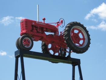 Avoca tractor museum displays Farmalls