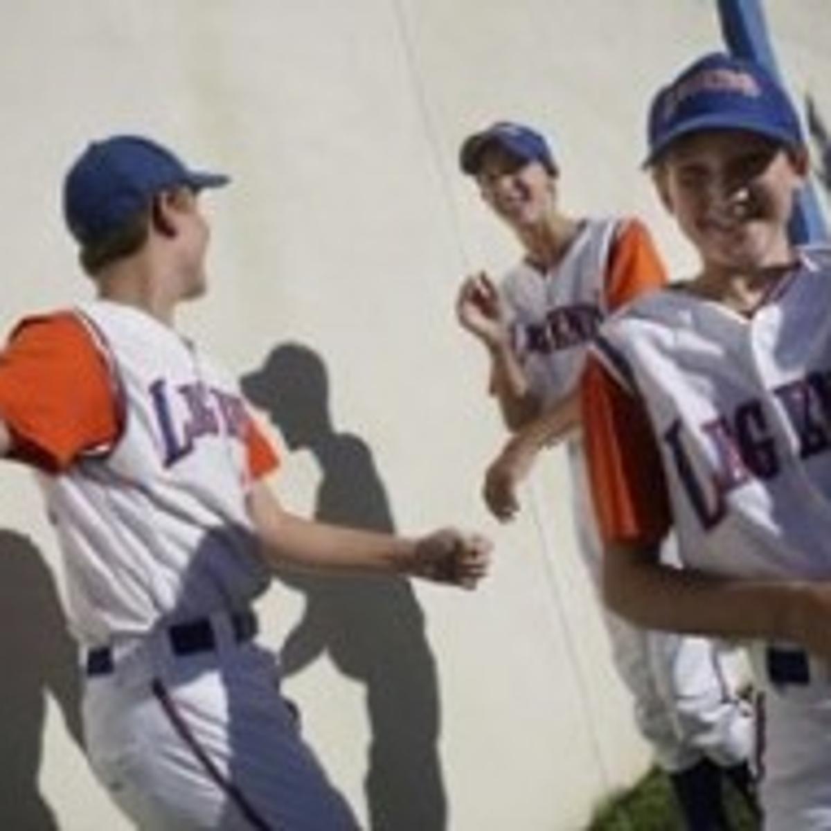 Road to Omaha Jr ' draws youth baseball teams to metro