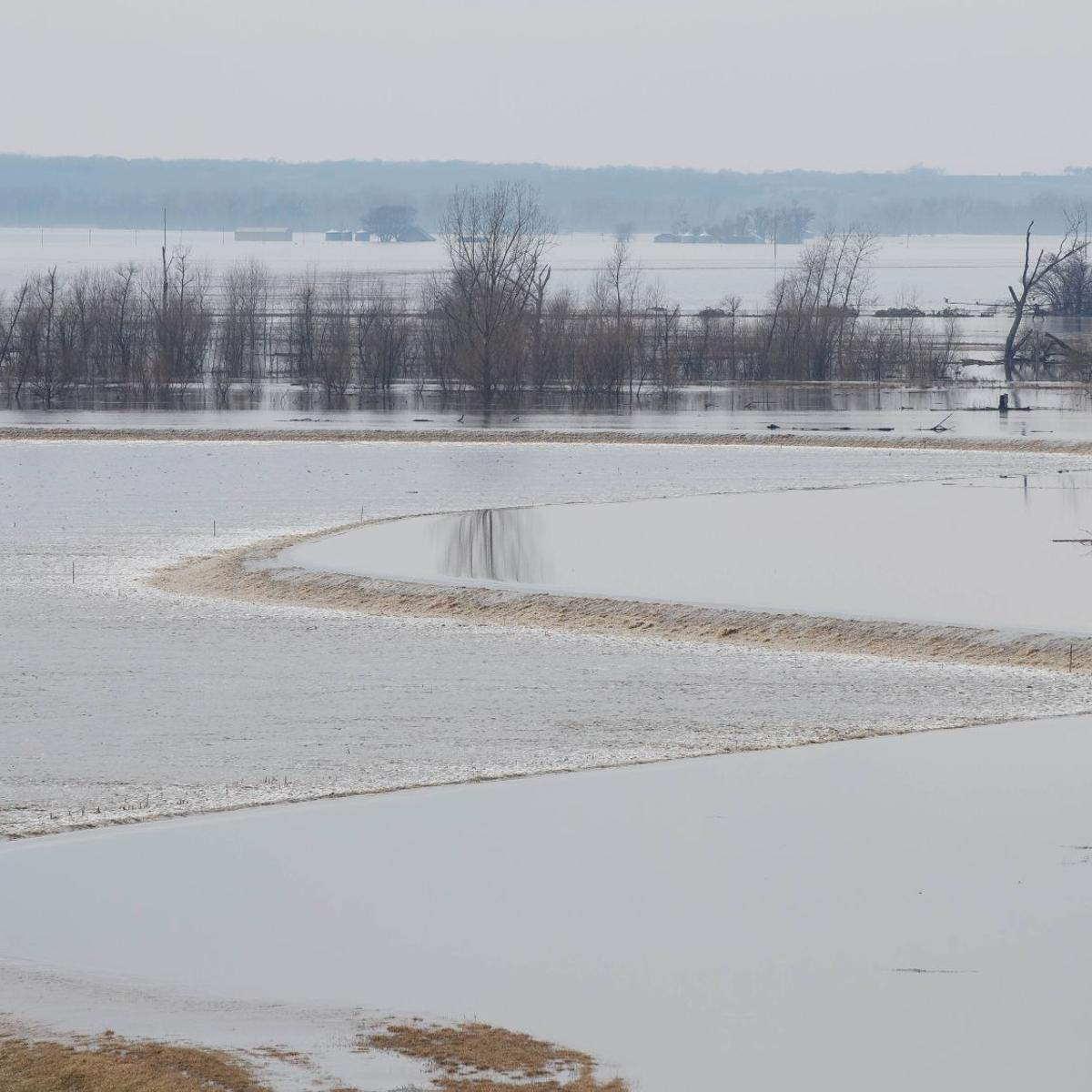 Corps making progress on repairing Missouri River levees