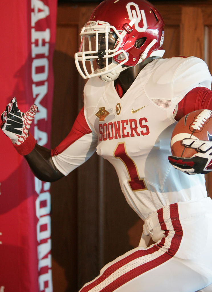 Nike unveils new Red River threads | All OU Sports ...
