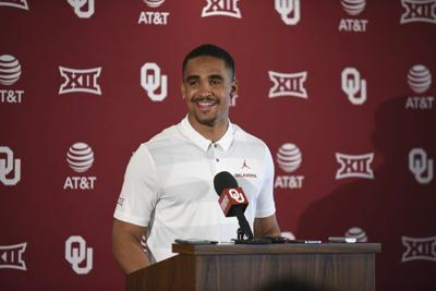 Super Ou Football During Introduction Jalen Hurts Emits The Pabps2019 Chair Design Images Pabps2019Com