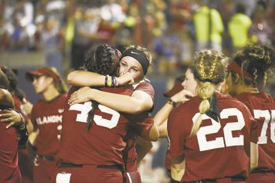 hot sale online 12468 884b8 OU softball notepad: Oklahoma natives share special play at ...