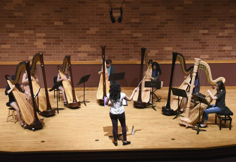 Workshop, recital brings young harpists to OU