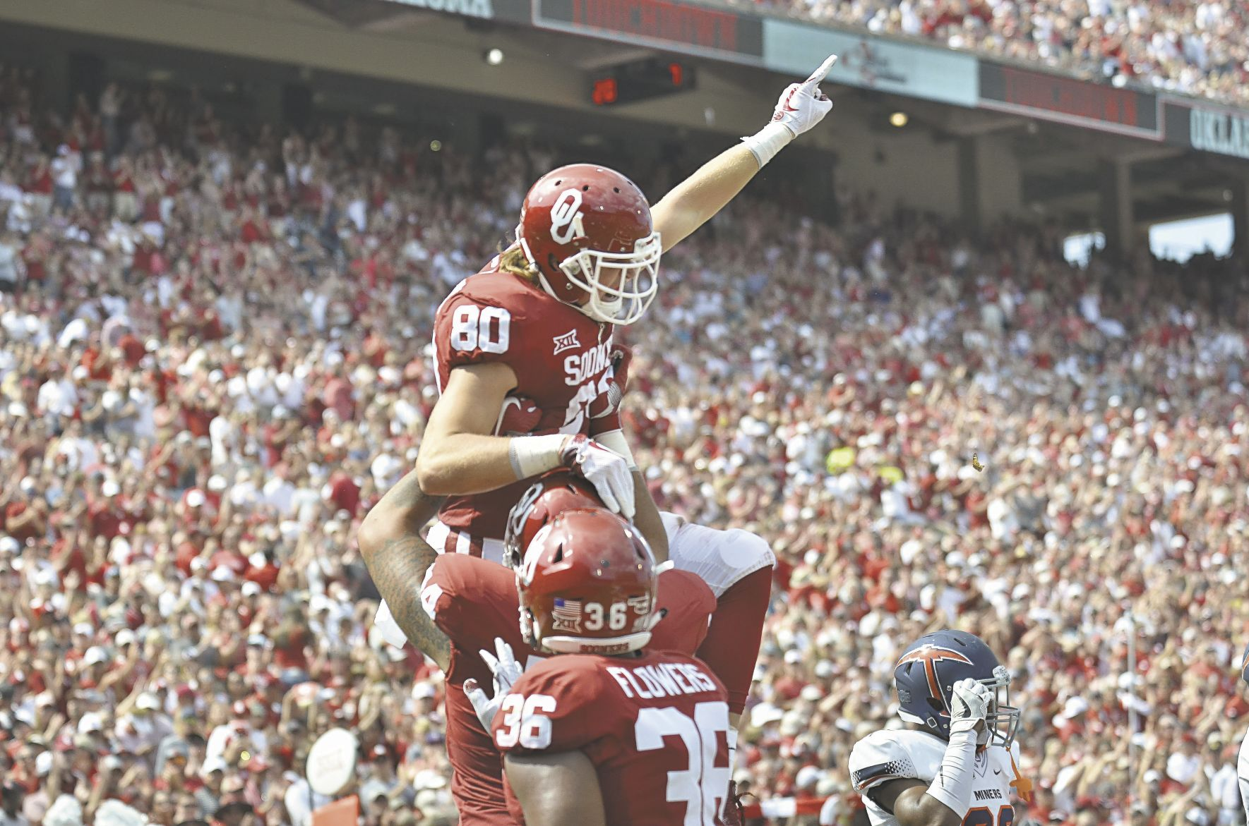 Mayfield passes No. 7 Sooners past UTEP