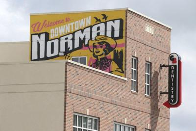 New mural provides colorful welcome to Main Street
