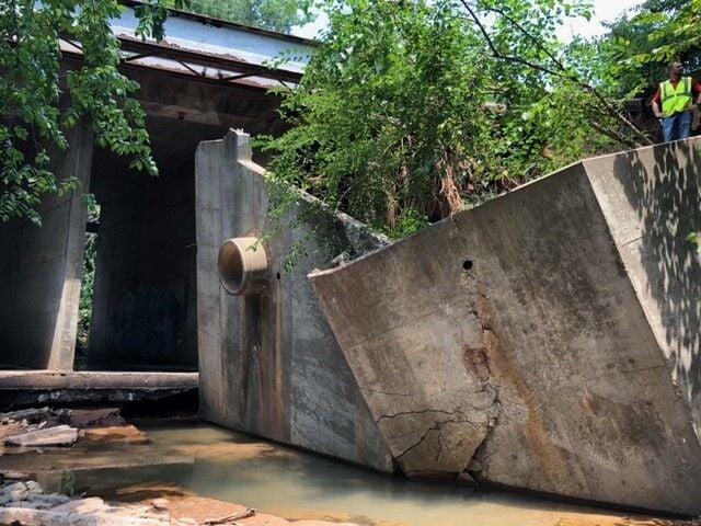 Imhoff Bridge supports