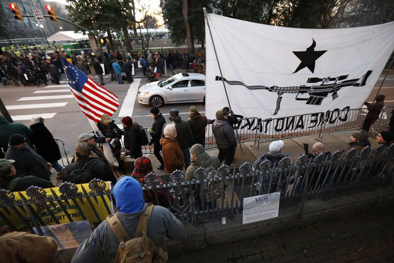 Pro-gun rally by tens of thousands in Virginia ends peacefully