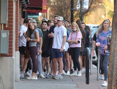 Logie's Crowd Maskless