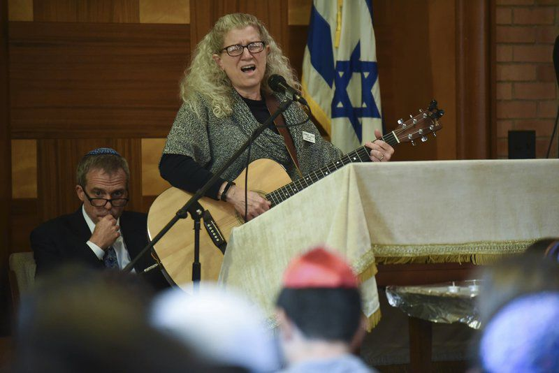 OU Hillel expresses sorrow, comfort from community at Tree of Life vigil