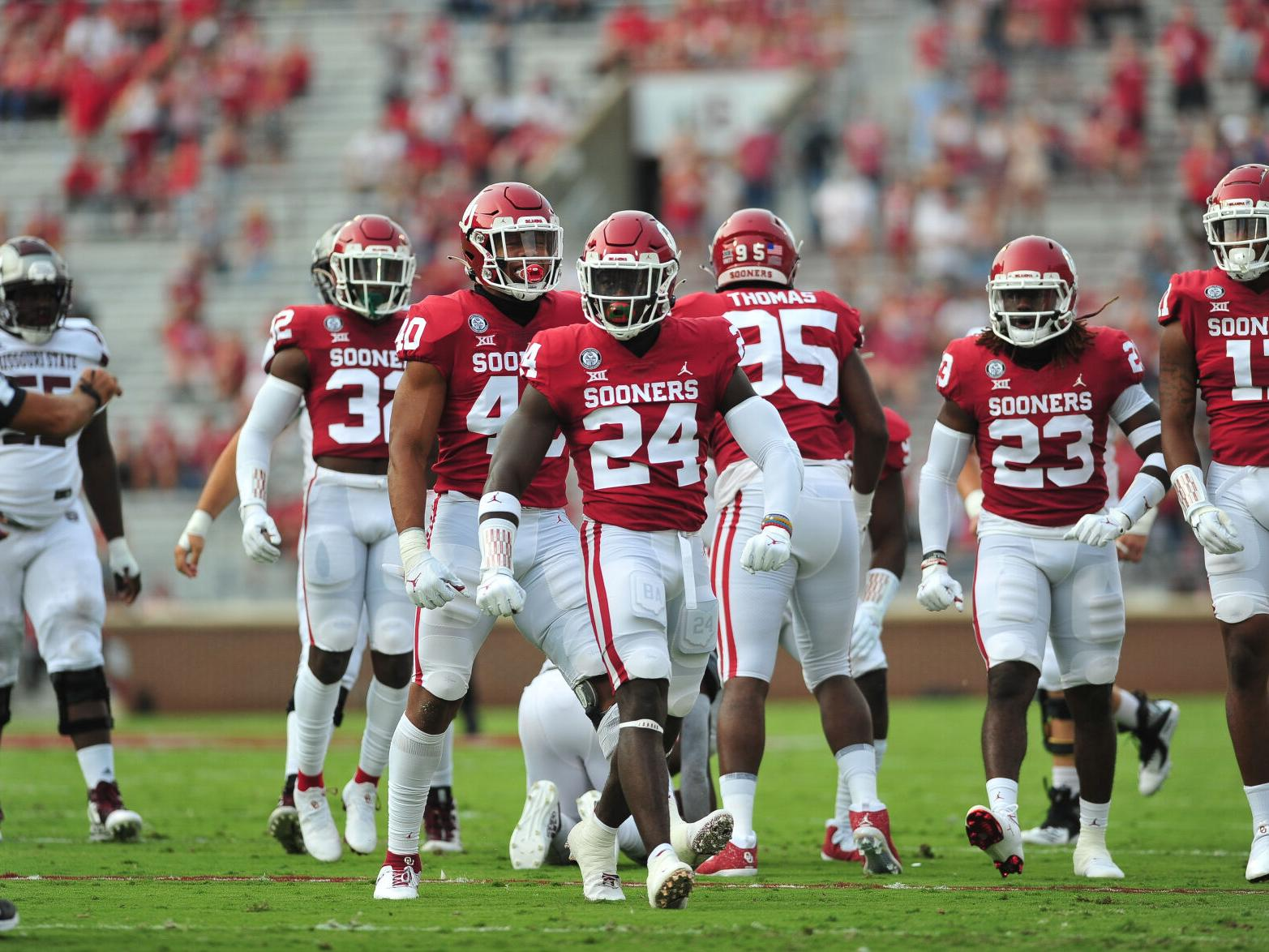 Ou Football Notepad Several Players Missing From Sooners Sideline In Opener Sports Normantranscript Com