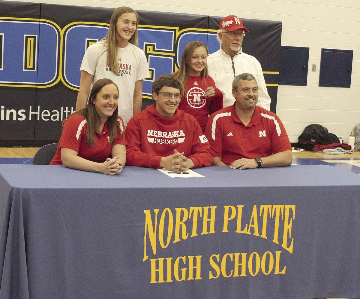 Pair of NPHS Bulldogs sign college letters of intent