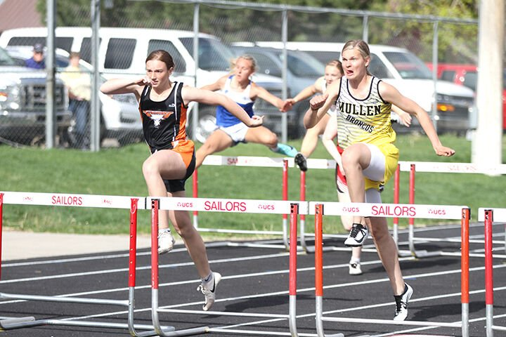 Ogallala's Quintin Emerson sets new school record at Best in the Midwest