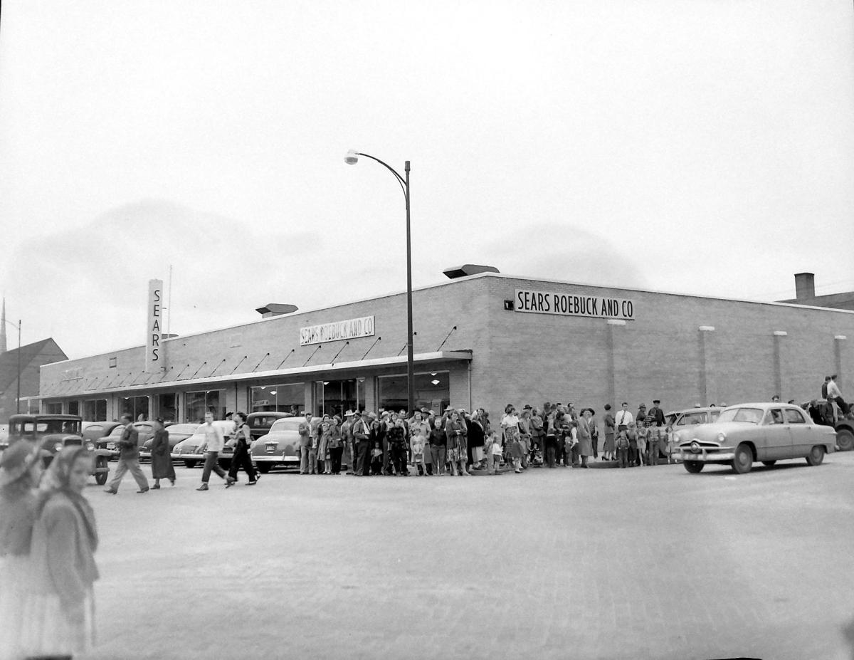 Readers begin to share stories about old Sears building where ...