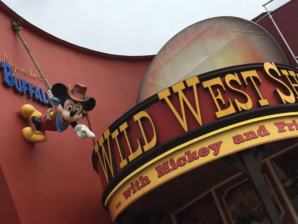 11-28 Buffalo Bill show entrance, Disneyland Paris.jpg