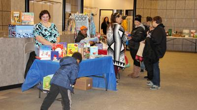 North Platte shoppers keep it small Saturday