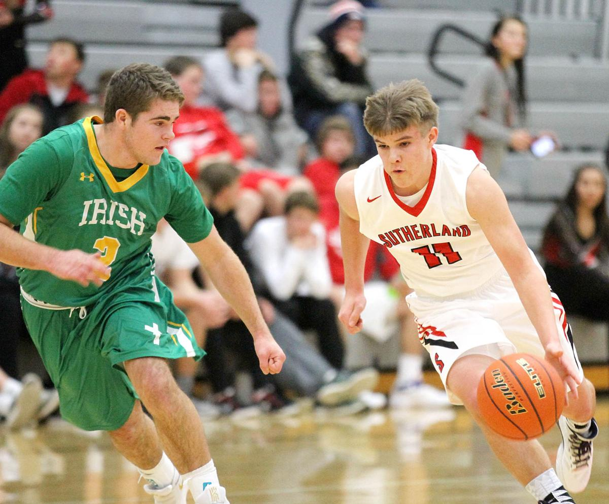 Richardson's 23 leads Sailors to win