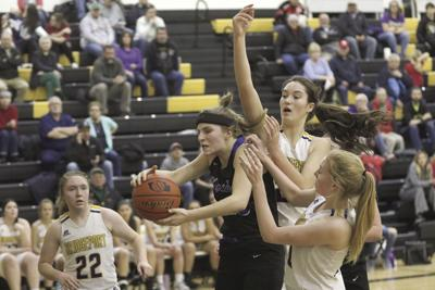Bridgeport, Chase County earn close semifinal victories to advance to SPVA Championship
