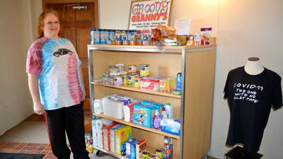 Groovy Granny starts 'baby cart' for parents in need during COVID-19 outbreak