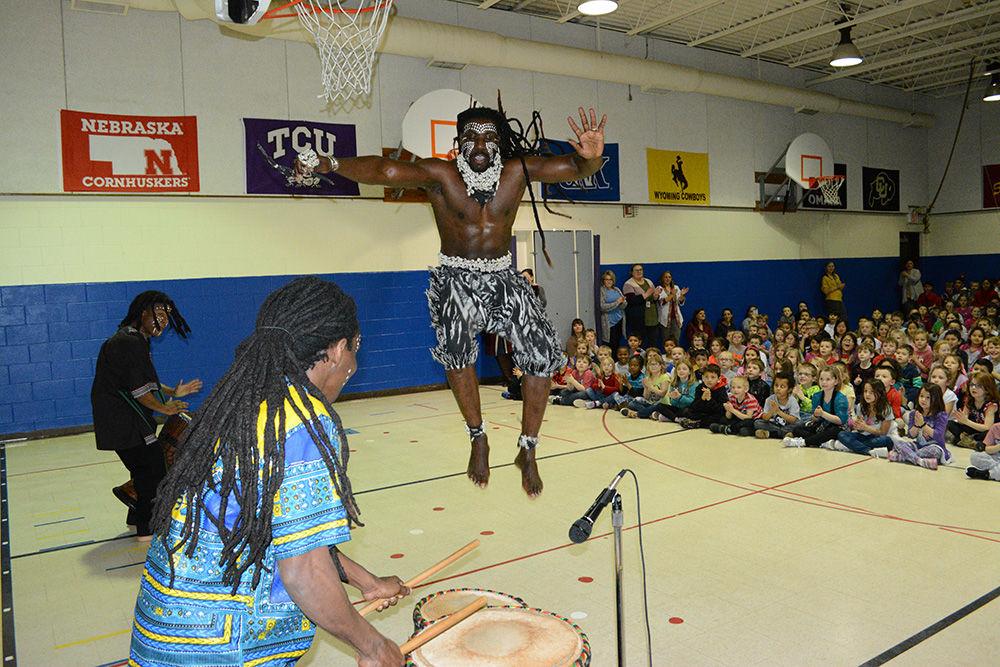 Senegal drum and dance troupe (3).JPG