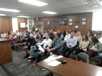 Watch now: Residents come out to show support for Platte River Mall EEA ordinance
