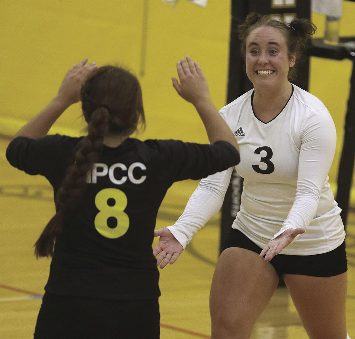 NPCC volleyball sweeps Garden City and Hesston to start season 2-0