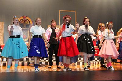 North Platte High School rocks right back to '50s in fall play, 'Soda Pop'