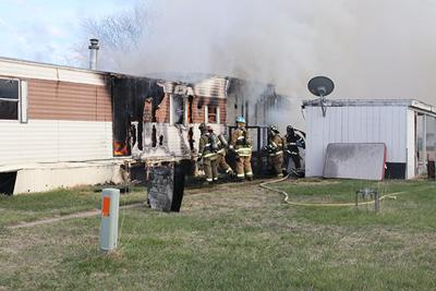Fire destroys mobile home in North Platte