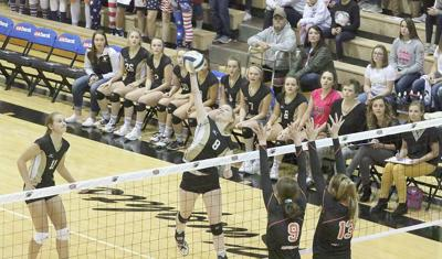 Mullen volleyball makes history with first state volleyball victory