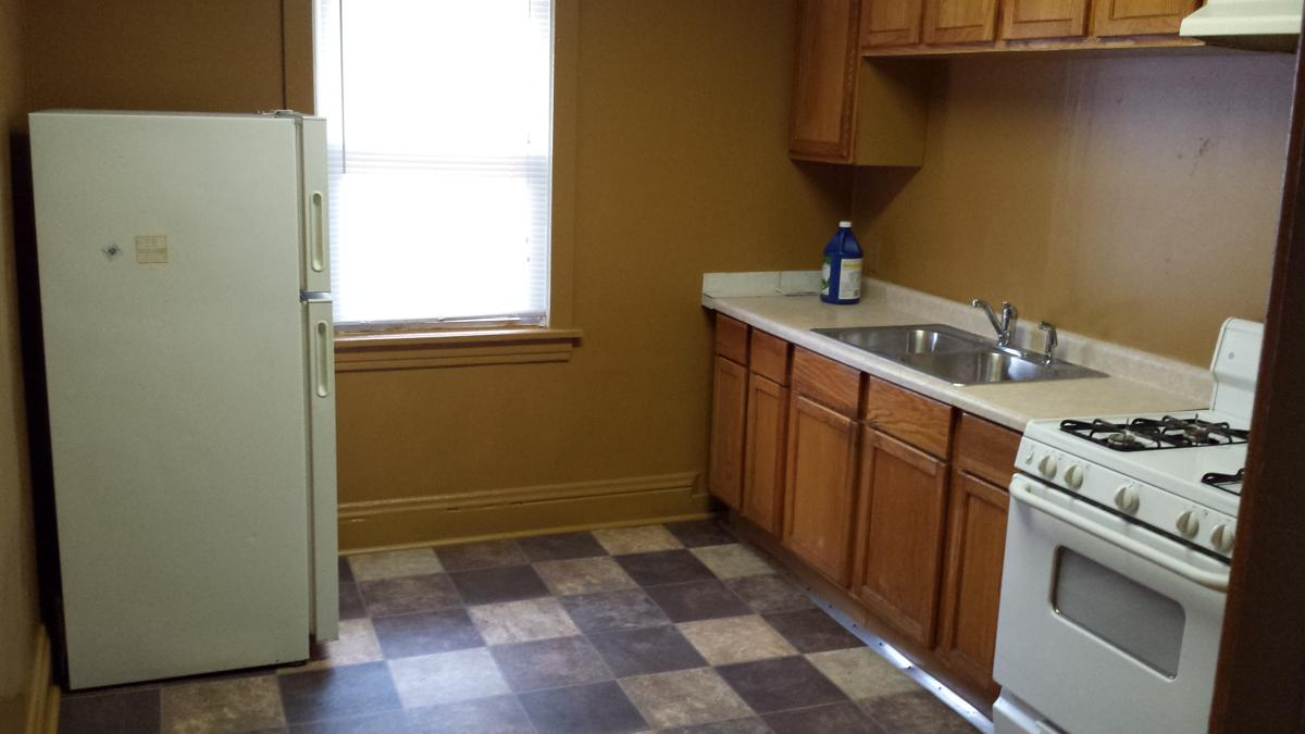 Large 3 br $750 and 2 br $650. Painted and updated on a g...