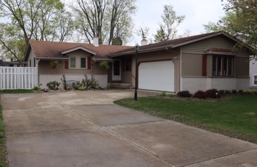 A must see beautiful ranch style home in Munster! image 1