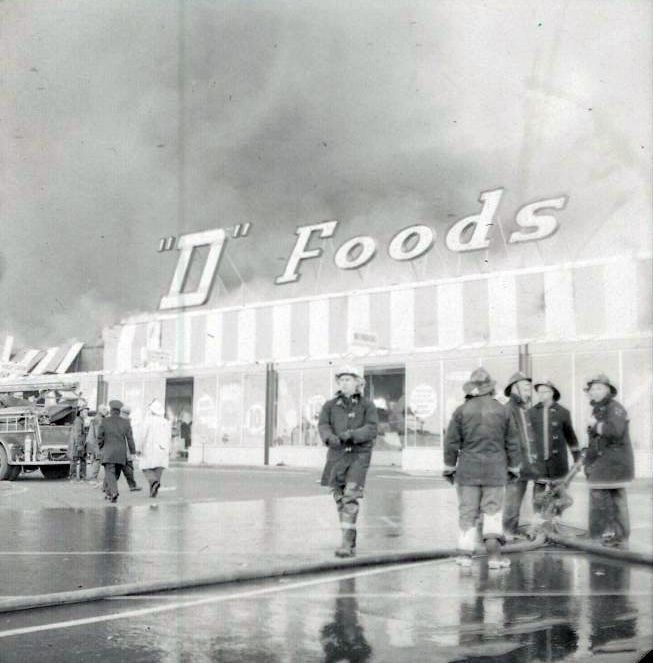 TOPPS Discount Department store fire in 1961