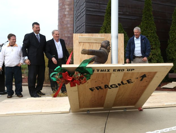 Flick's lick from 'A Christmas Story' becomes permanent part of Indiana Welcome Center