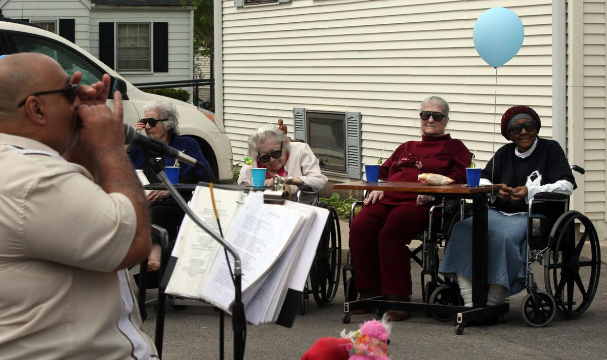 C.P. nursing home residents pay tribute to B.B. King