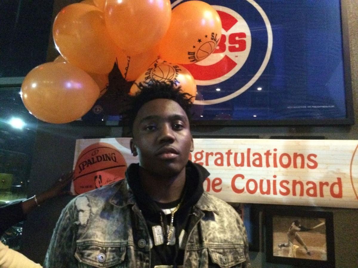 East Chicago's Jermaine Couisnard picks South Carolina for college hoops