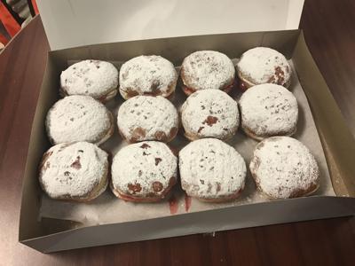 TASTE TEST: Calumet Bakery's paczki a seasonal favorite