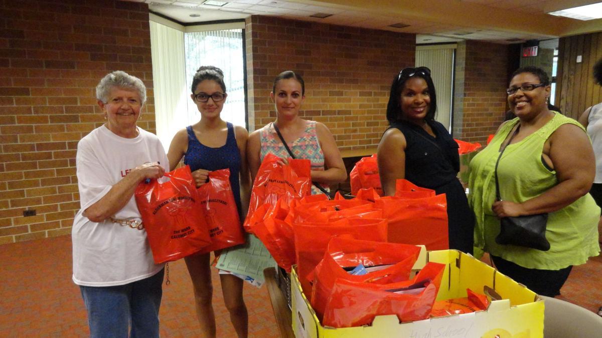 School supply giveaway helps more than 100 in Calumet City