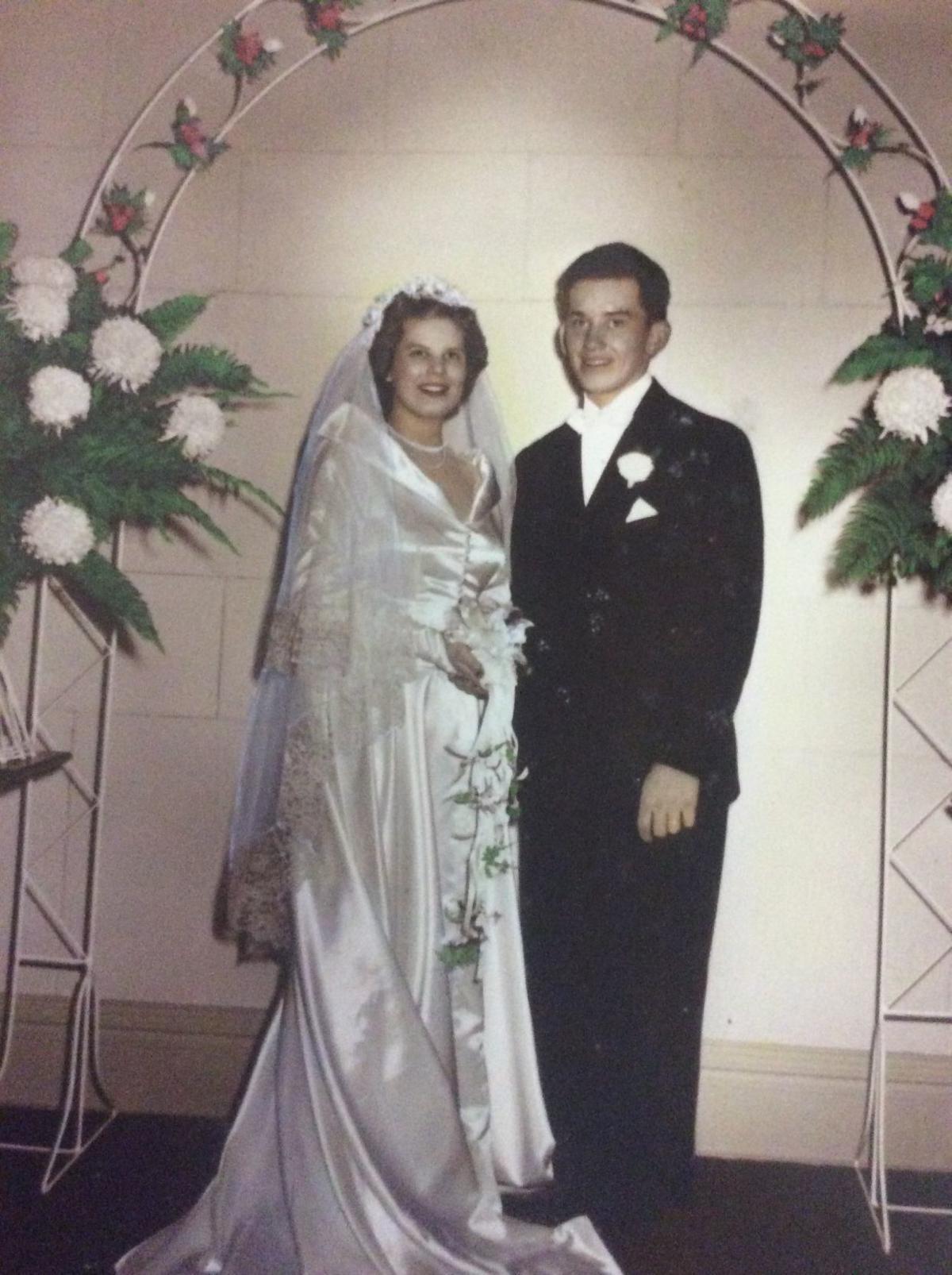 Celebrations Celebrating Eric And Carolyn S Wedding Latest Headlines Nwitimes Com