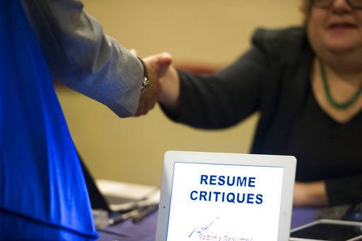 IL  unemployment rate up slightly despite job growth