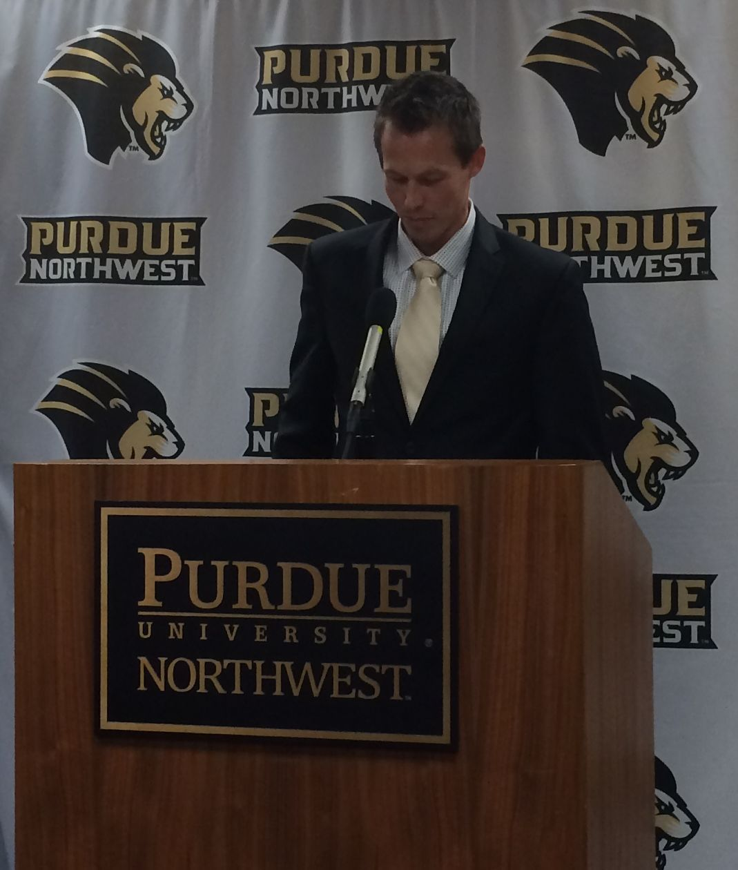 "Purdue Northwest picks Broan ""Boomer"" Roberts as new mens basketball coach"