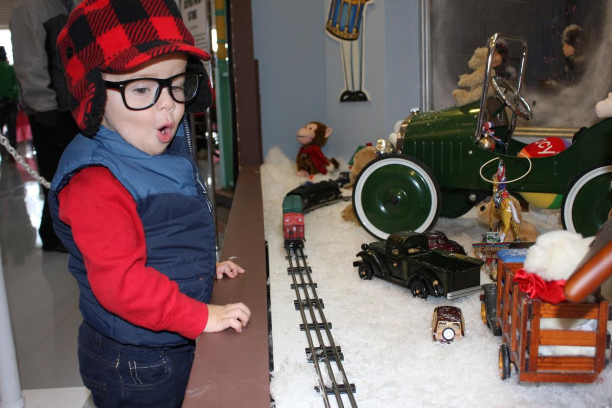 9th annual \'A Christmas Story\' Comes Home exhibition returns ...