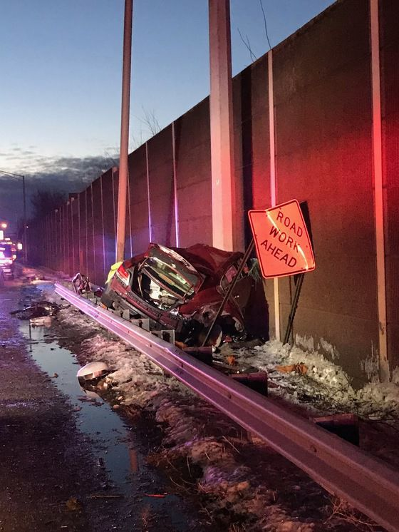 1 dead in overnight single-car crash on I-94 | Lake County