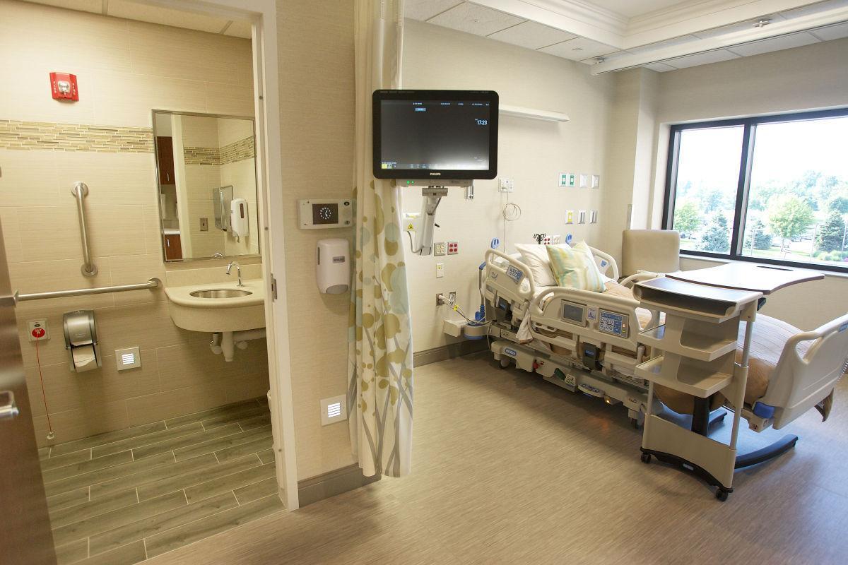 Johnston Willis Emergency Room Icu Floor In Hospital