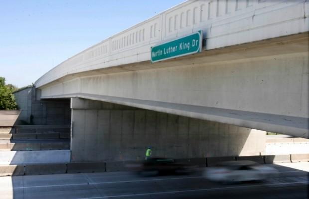Cracks prompt INDOT to close Gary bridge