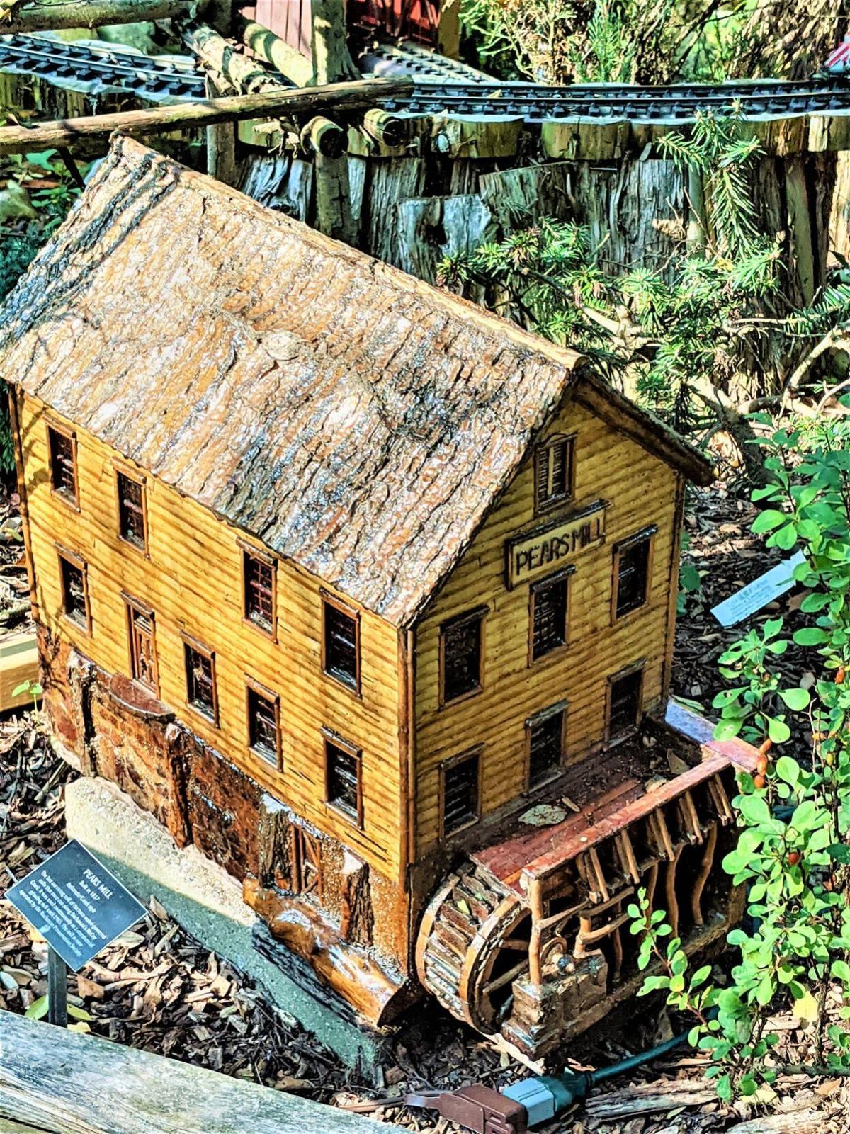 Fernwood railroad garden Pear's Mill