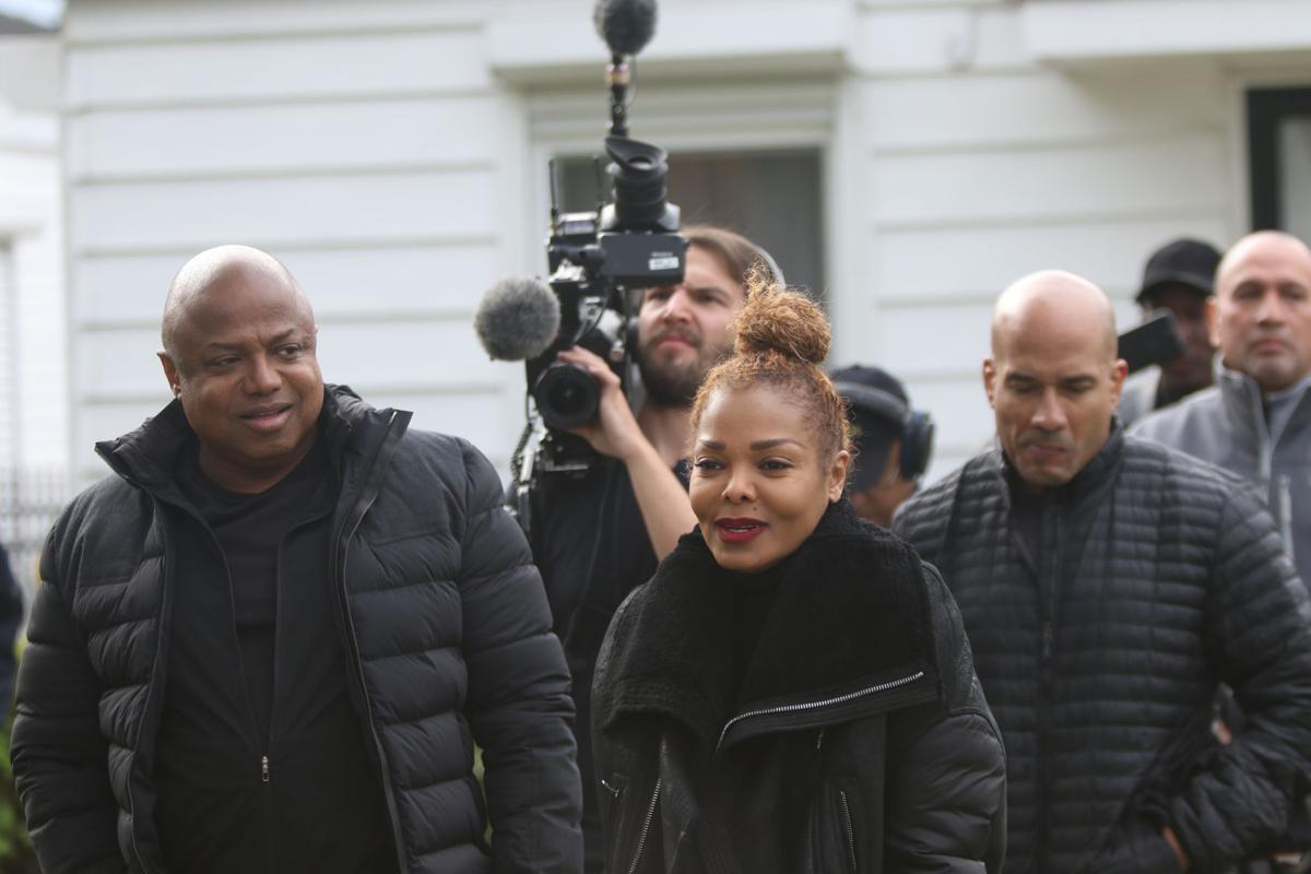 Randy, Janet Jackson visit former Jackson Street home in Gary