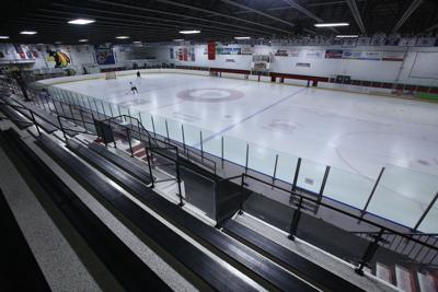 Dyer ice rink not liable for player's injuries suffered during amateur hockey fight