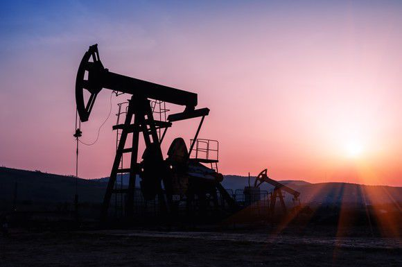 Trims Position in Occidental Petroleum Corporation (OXY)