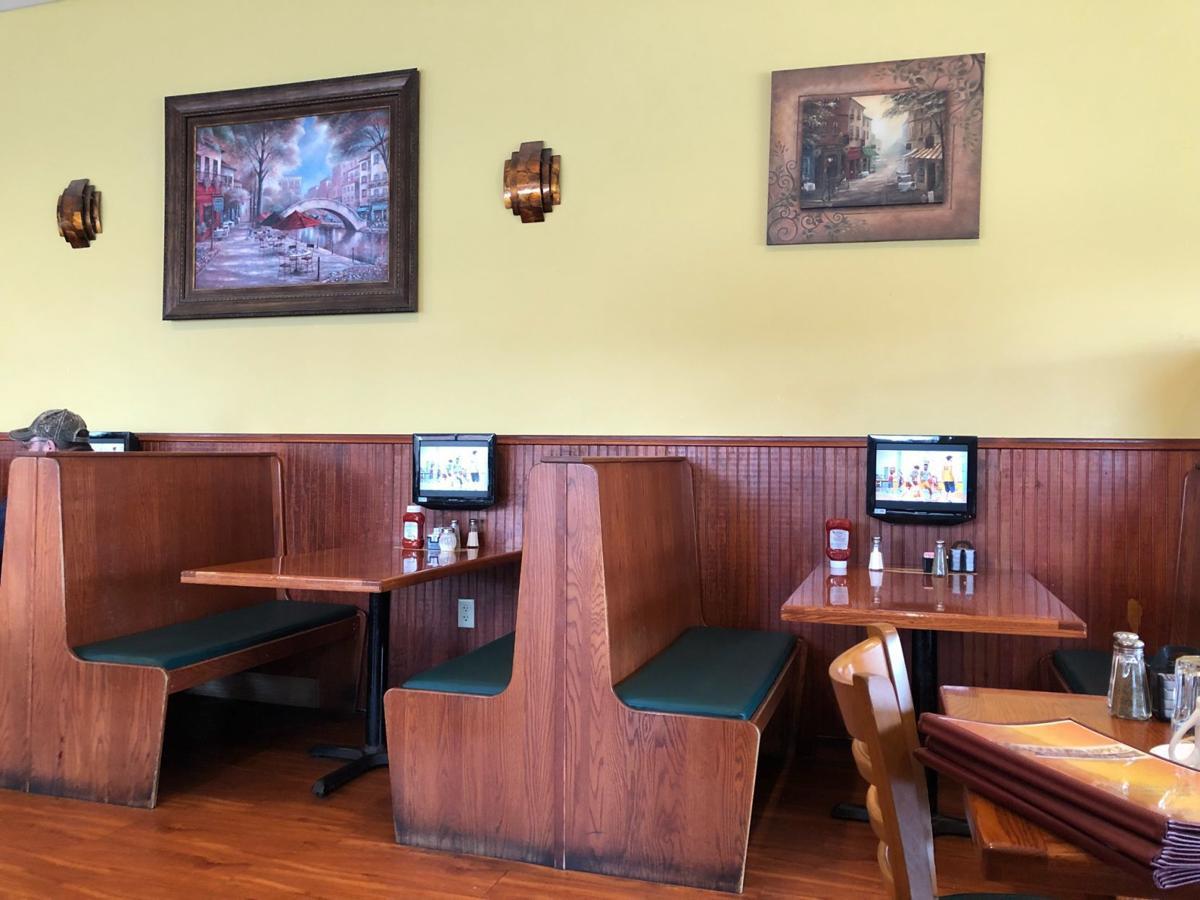 Eli's Golden Apple Restaurant and Pancake House