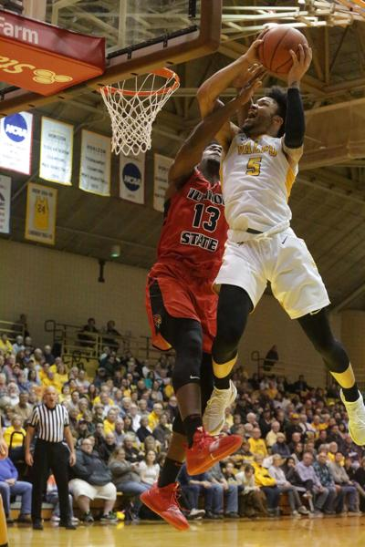 Valparaiso University beats Illinois State in men's basketball