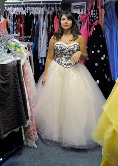 81c781e72d6 Girls turn to resale shops to find dream prom dresses
